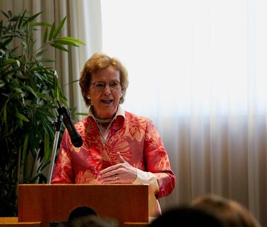 Mary Robinson lance le Centre pour le sport et les droits de l'homme