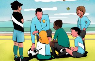 Caricatura de niños pequeños sentados en el suelo con balones de fútbol y su entrenador.
